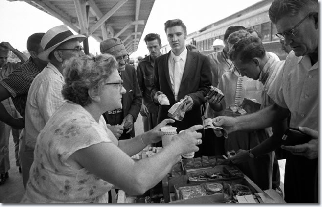 Elvis during a stop at Sheffield Alabama. Elvis ordered chicken and snack cakes.