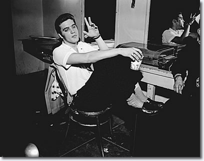 Elvis Presley: June 3, 1956 - Back stage at the Oakland Auditorium