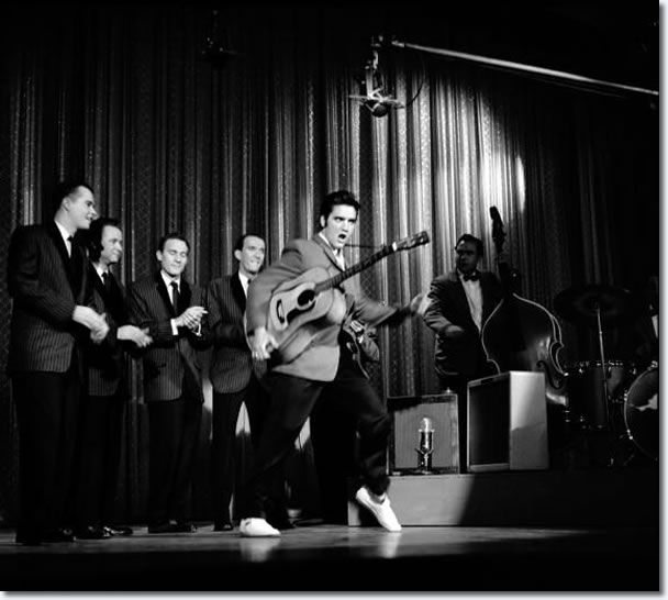 Elvis Presley on the Ed Sullivan Show : October 28, 1956.