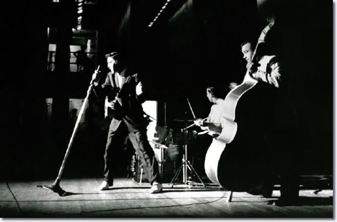 Elvis Presley - June 30, 1956 - Mosque Theatre, Richmond