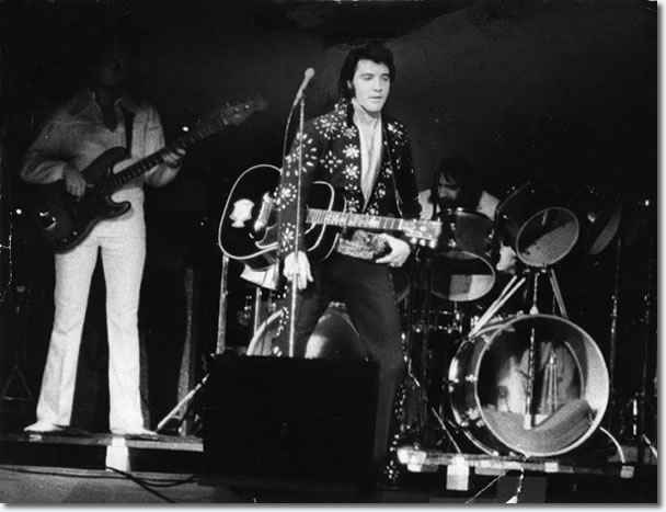 Elvis Presley : Boston Garden : November 10, 1971 (8.30 pm) : Boston, MA.
