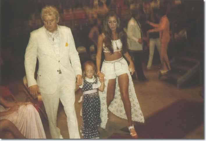 Vernon, Linda and Lisa on July 3, 1973 at the Atlanta show.