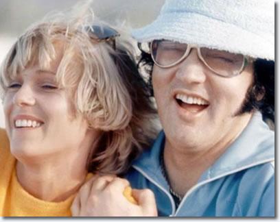 Shirley Dieu and Elvis Presley : Hawaii 1977.