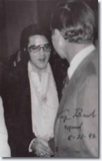 Elvis Presley meets George Bush
