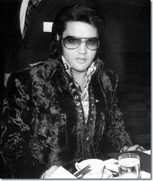 Elvis Presley : U.S. Jaycees: Ten Outstanding Young Men January 16, 1971