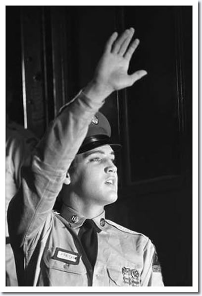 Elvis arrives at Brooklyn army Terminal. Photo by Alfred Wertheimer