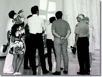 During a holiday to Hawaii in June 1968, Elvis, Priscilla, Joe Esposito, Charlie Hodge visit the U.S.S. Arizona memorial.