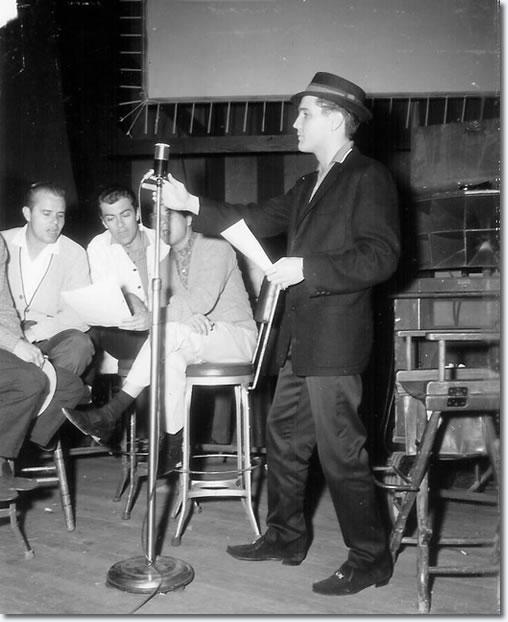 Hoyt Hawkins (cropped) Neal Mattews, Ray Walker, Gordon Stoker provide backing vocals and Elvis Presley.