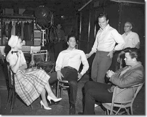 Juliet Prowse, Elvis Presley, Pat Boone and Sonny West.