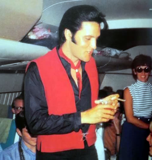 Elvis On A Plane From Hawaii To La June 2 1968